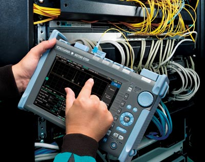 OTDR portátil con medidas automáticas