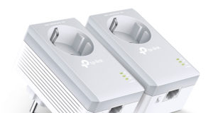 PLCs AV500 con enchufe incorporado